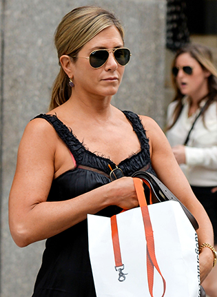 Jennifer Aniston in aviator sunglasses