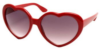 red heart shaped sunglasses taylor swift