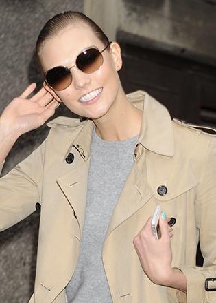 Karlie Kloss in round sunglasses