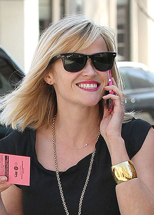 Reese Witherspoon in retro sunglasses