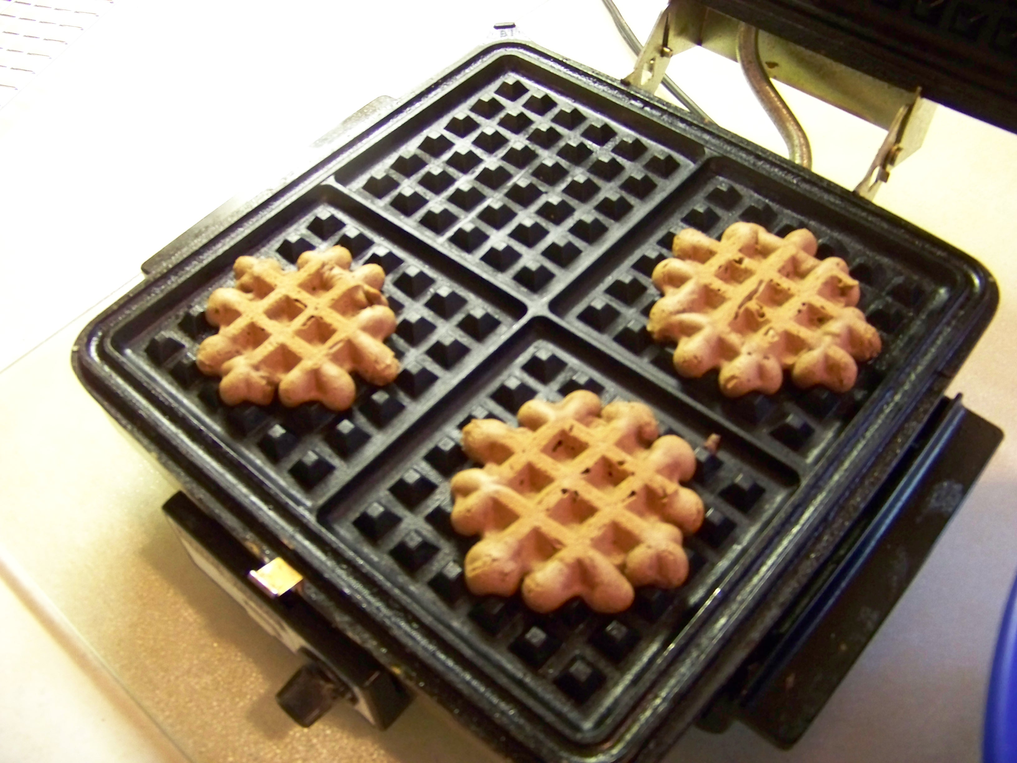 Baking cookies in your oven is fine and all, but if you want to turn out some tasty cookies in a very short time, consider turning to your trusty waffle iron.