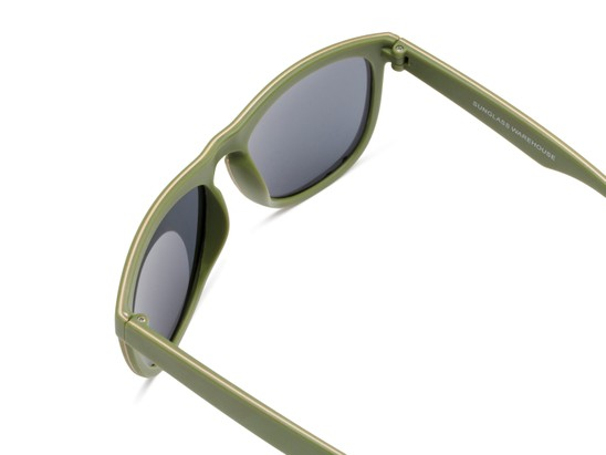 Detail of Duran #2031 in Green Frame with Gold Mirrored Lenses